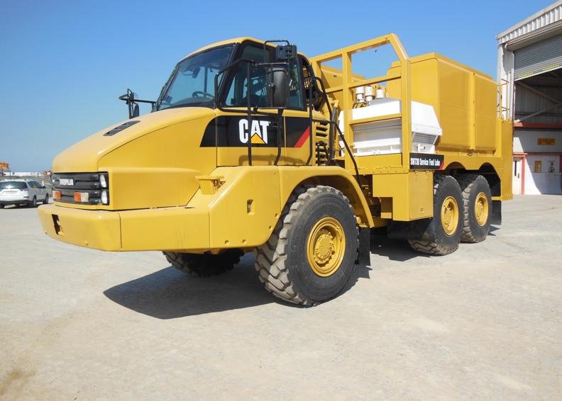 Cat 730 Fuel truck