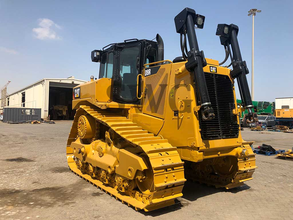 Caterpillar D8R - Heavy Equipment for Rental in USA & Canada